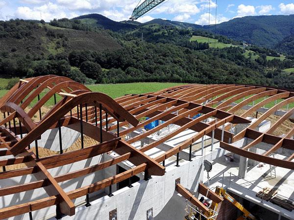 Madergia construcci n con madera - Estructuras casas de madera ...