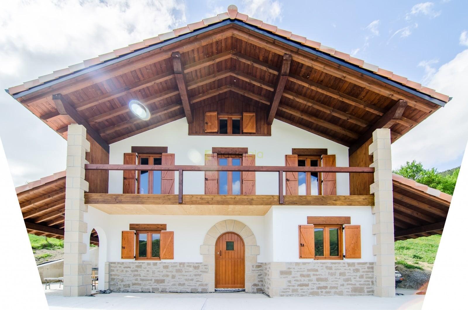 Casa de arquitectura tradicional madergia for Arquitectura de madera